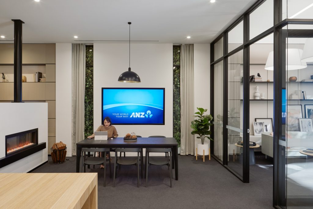 The ISM Interiors team built and installed the latest retail concept store for ANZ bank at Chadstone shopping centre.