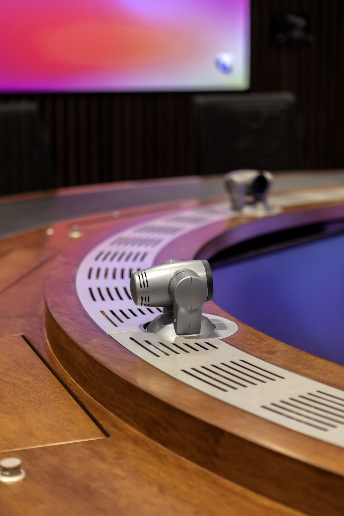 Telstra whirlpool room conference table
